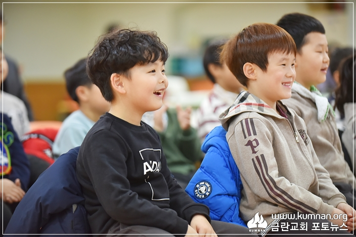 18-1220정암학교성탄행사8.JPG
