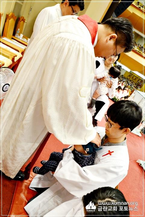17-0903유아세례예식75.JPG